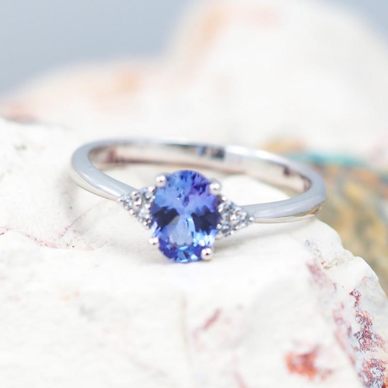 Natural Tanzanite in Silver Princess Ring F17
