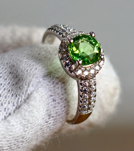 14.90 Cts Unheated & Natural ~ Green Tourmaline Silver Ring