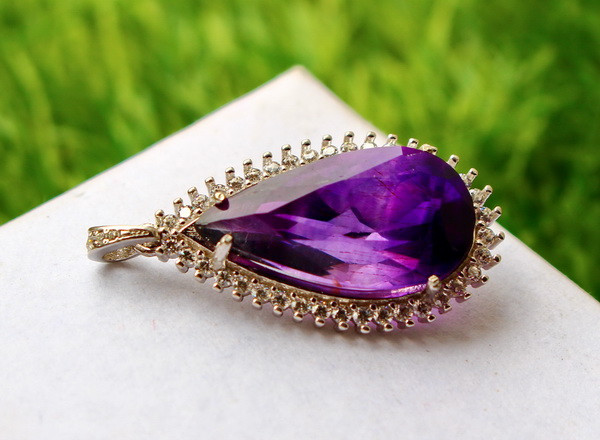 28.00 Cts Unheated & Natural ~ Purple Amethyst Silver Pendant