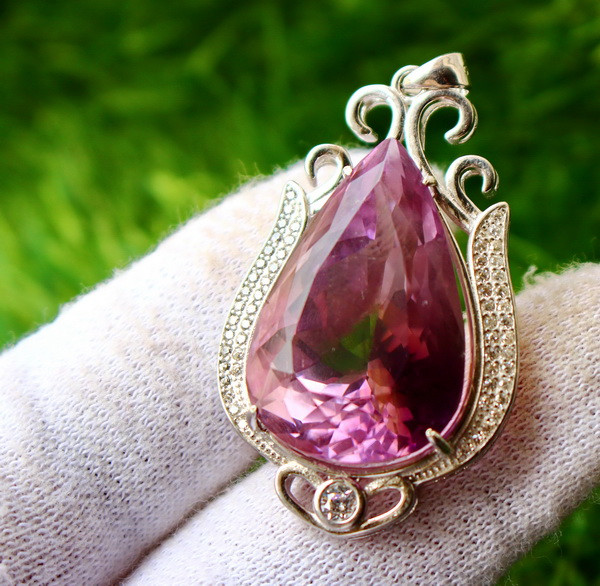 97.40 Cts Unheated & Natural ~ Purple Amethyst Silver Pendant
