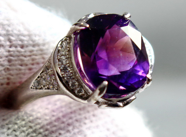 22.00 Cts Unheated & Natural ~ Purple Amethyst Silver Ring