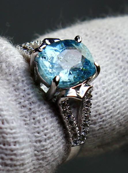 12.60 Cts Unheated & Natural ~ Blue Aquamarine Silver Ring