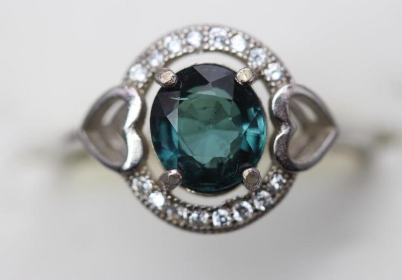 Natural  Tourmaline 1.80 cts Transparent  white Rhodium 925 Sterling silver