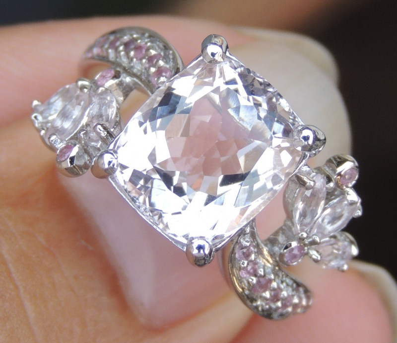 3.71cts Morganite, with Pink Sapphire in Silver