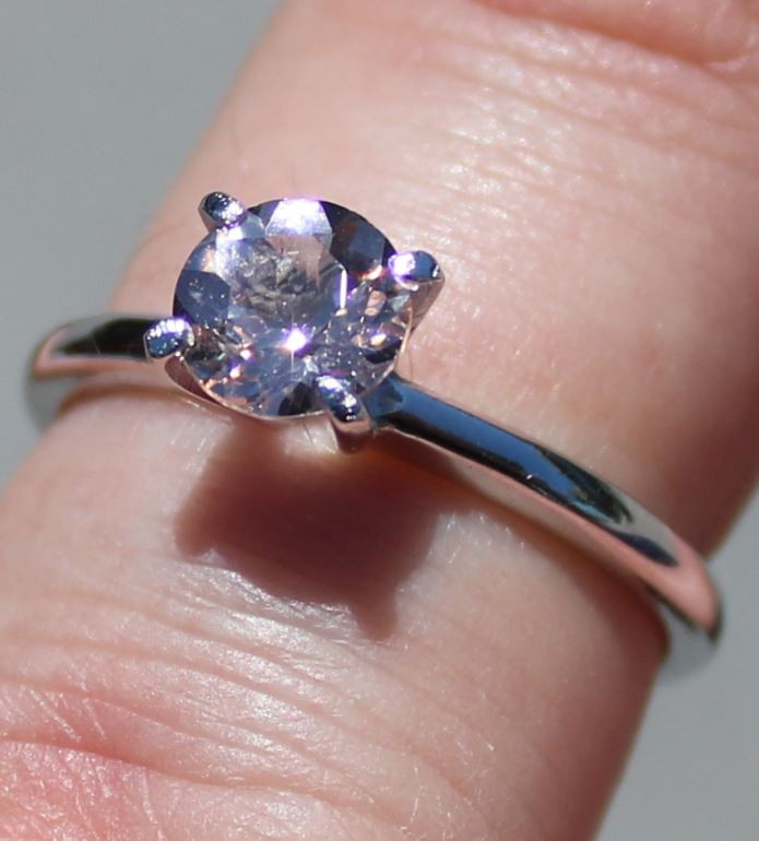 Pink Aquamarine or Rightly named Morganite 1,01ct Rhodium Finish Solid 925