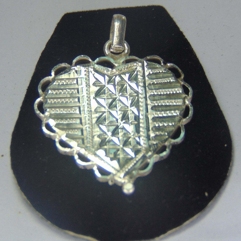 999 silver designs~faceted pendent ~  19.00cts