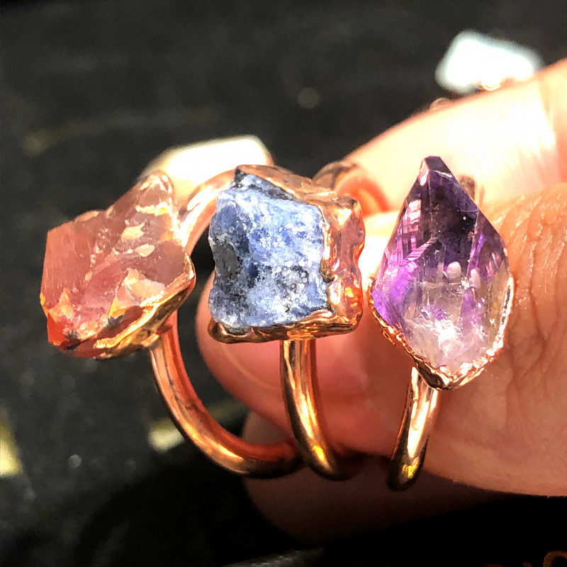 Eight Raw gemstones Ring Size 6 Copper Rings BR 2330