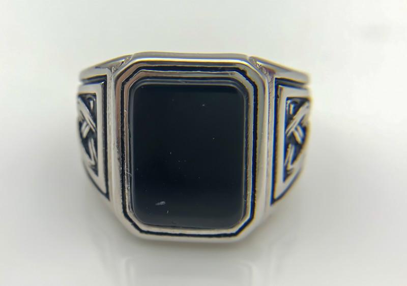 42.50 Crt Natural Black Onyx 925 Silver Ring