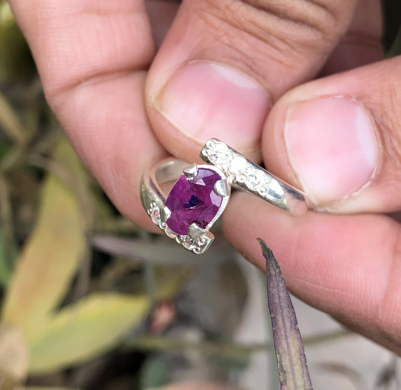 21.80 Ct Natural Red Ruby Ring With White Zircons Solid Silver
