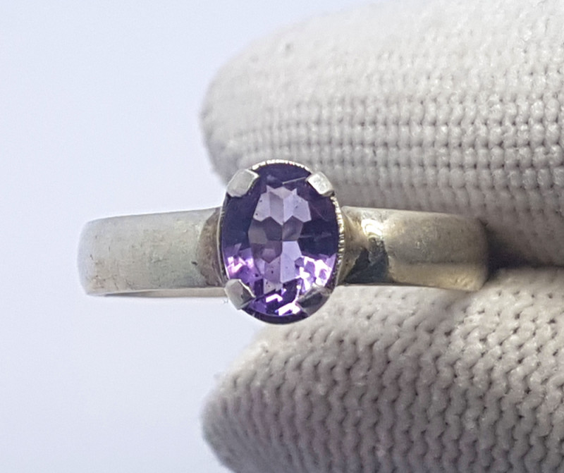 8.65 Carats Natural Purple Oval Amethyst Silver Ring