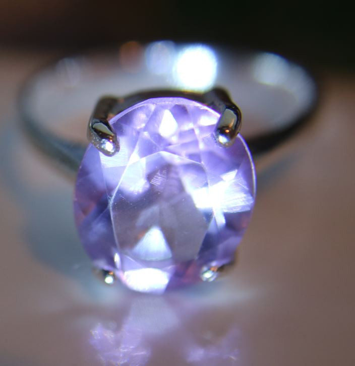 Amethyst 3.40ct Platinum Finish Solid 925 Sterling Silver Ring     Size 7