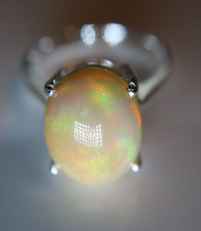 Opal 8.30ct Platinum Finish Solid 925 Sterling Silver Ring     Size 7