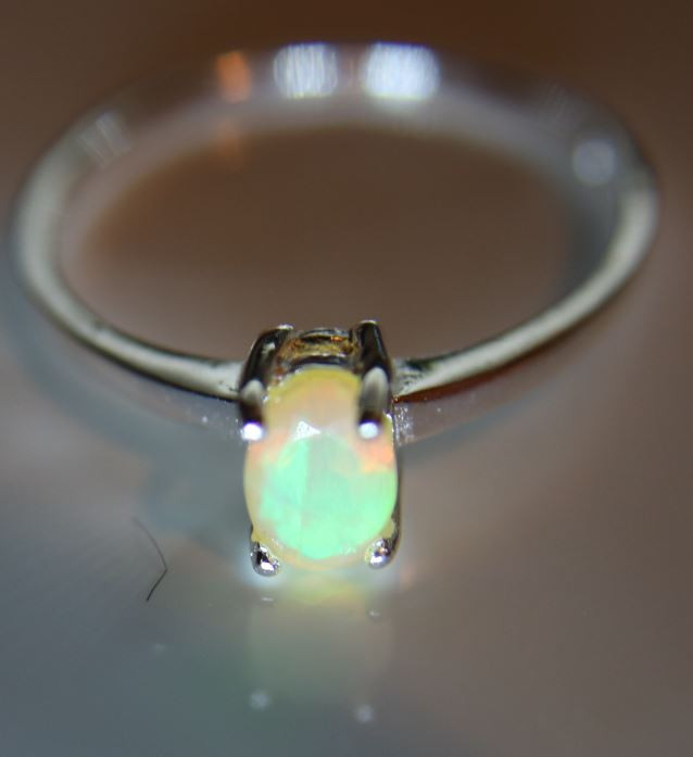Opal .40ct Platinum Finish Solid 925 Sterling Silver Solitaire Ring      Si