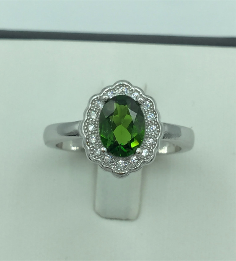 Natural 1.50 Cts Chrome Diopside Ring With A 925 Starling Silver.