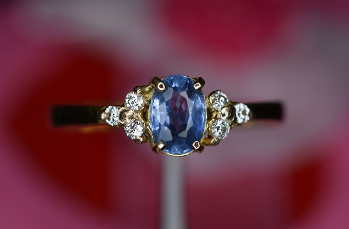 18k Gold Diamond and  Sapphire Ring.