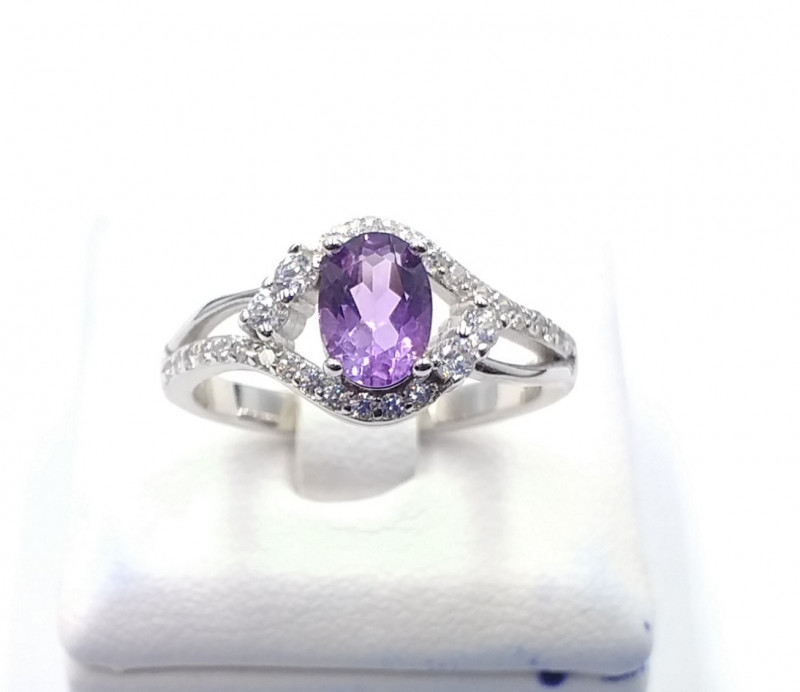 NATURAL AMETHYST WITH 925% SILVER RING F 25