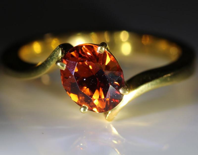 Spessartine Garnet 2.20ct Solid 18K Yellow Gold Solitaire Ring
