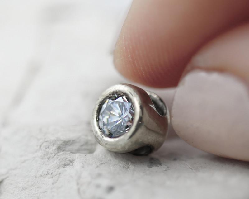 Beautiful man made Cubic Zirconia In Steling Silver pendant GTJA 1098