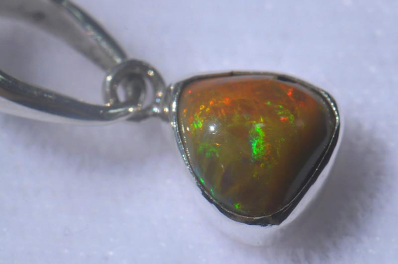 9.66ct .925 Sterling Ethiopian Welo Solid Opal Pendant