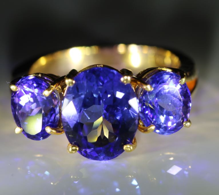Tanzanite 6.94ct Solid 22K Yellow Gold Multistone Ring