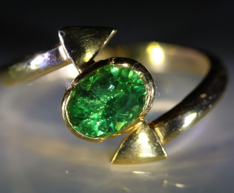 Tsavorite Garnet 1.25ct Solid 22K Yellow Gold Solitaire Ring