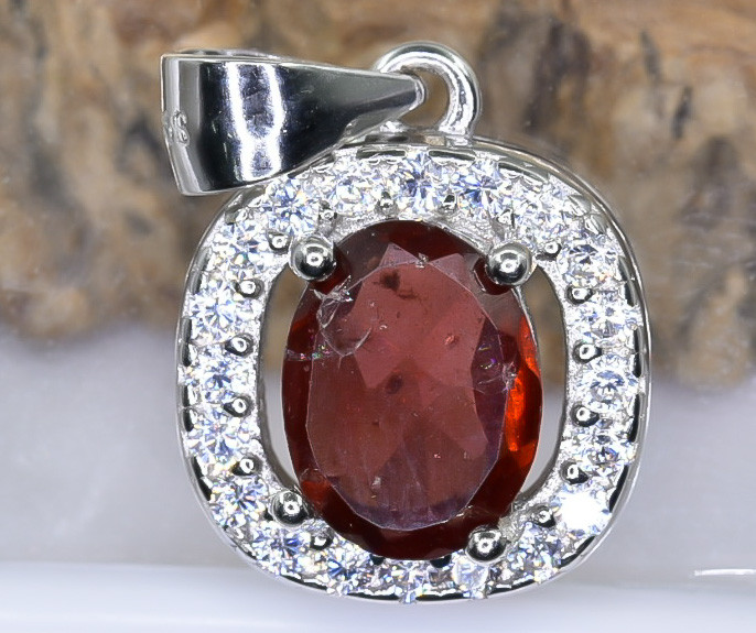 15.50 Crt Natural Rhodolite Garnet With Cubic Zirconia 925 Silver Pendant