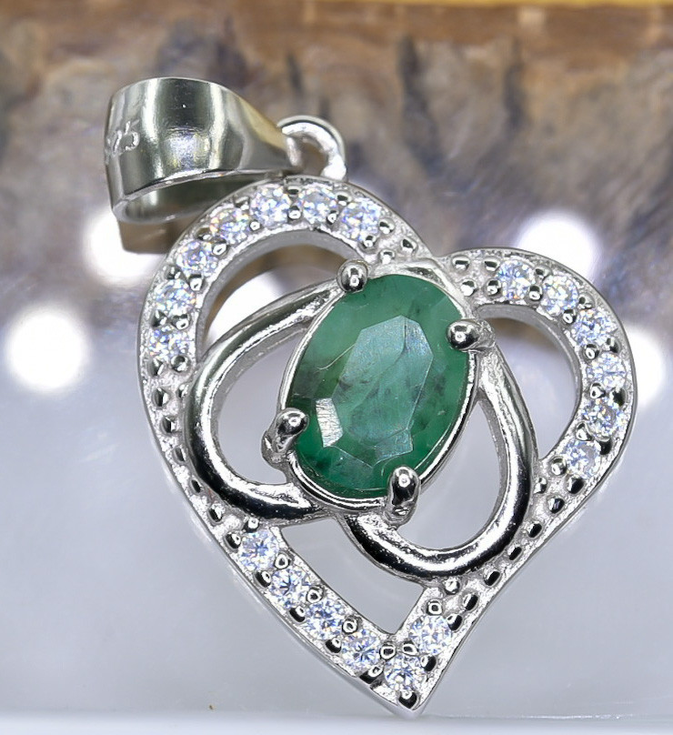 14.89 Crt Natural Emerald With Cubic Zirconia 925 Silver Pendant