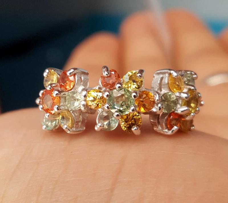 Gorgoues Sapphire Ring.