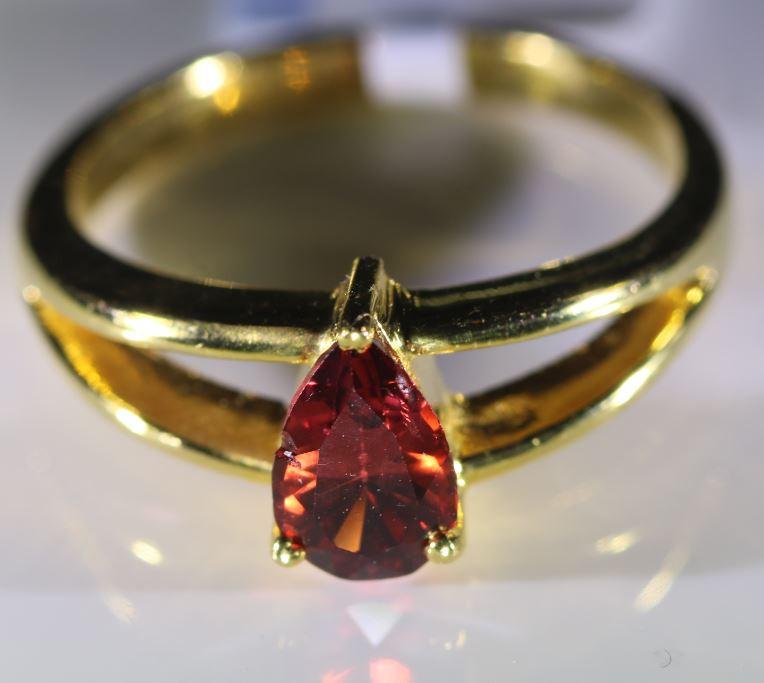 Orange Mahenge Spinel 1.02ct Solid 18K Yellow Gold Ring