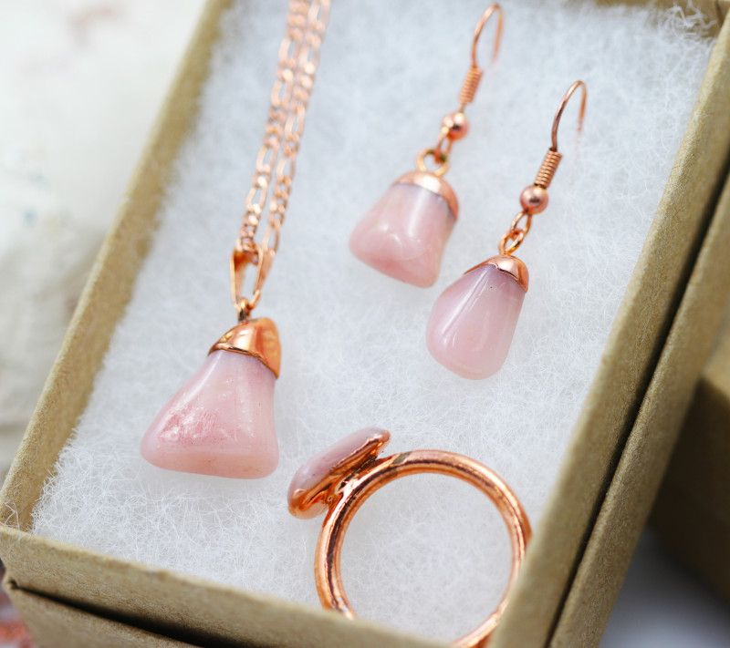 Rose Peru Opal Jewelry set $99 for $10.00 - Ring Size T -