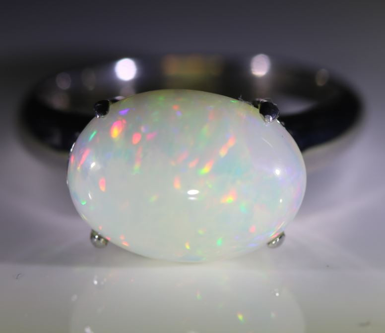 Welo Opal 4.42ct Platinum Finish Solid 925 Sterling Silver Ring