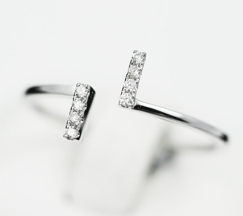 18 K White Gold Engagement Diamond Ring Size 7.5 - H54 - R11475