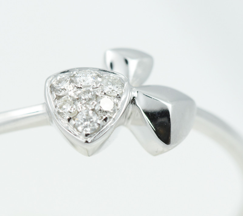 18 K White Gold Engagement Diamond Ring Size 7.5 - H62 - R11578 -1