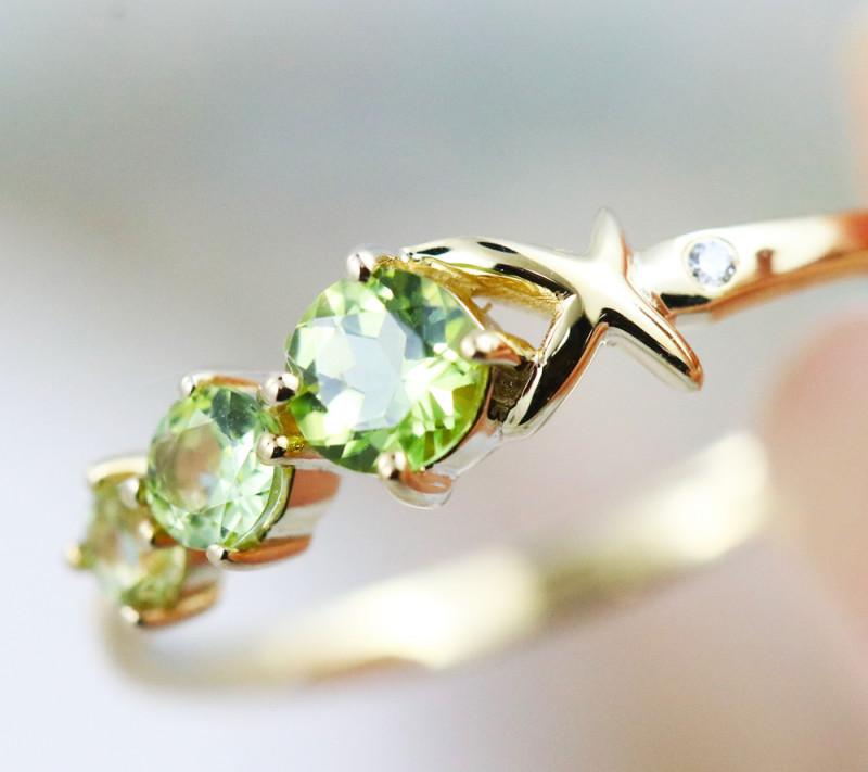 14k Yellow Gold Peridot & Diamond ring Size 6.5 - R12339 - G98