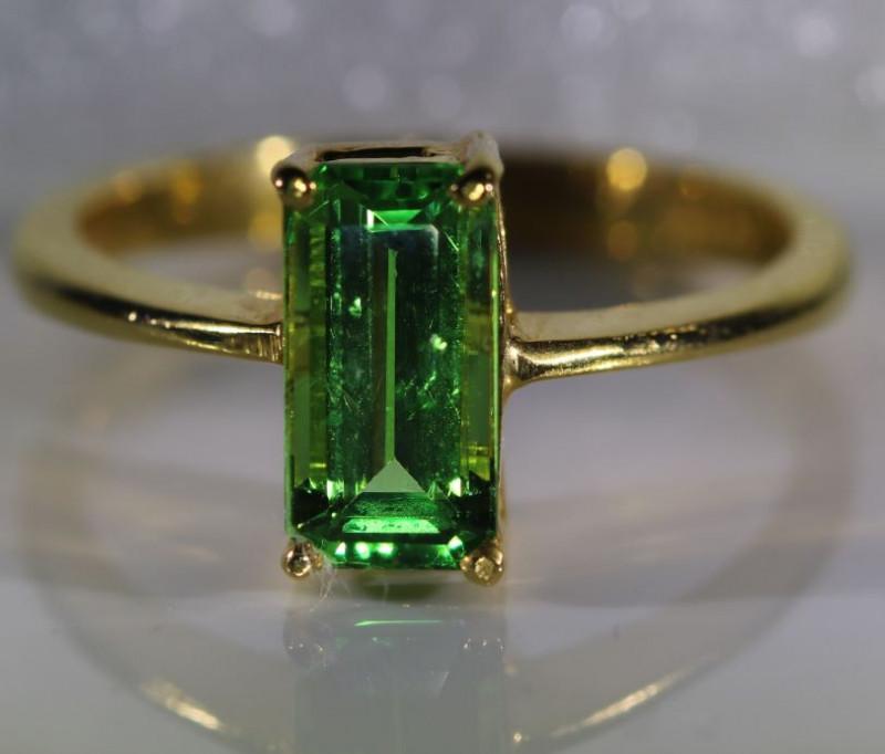 Tsavorite Garnet 1.80ct Solid 22K Yellow Gold Ring