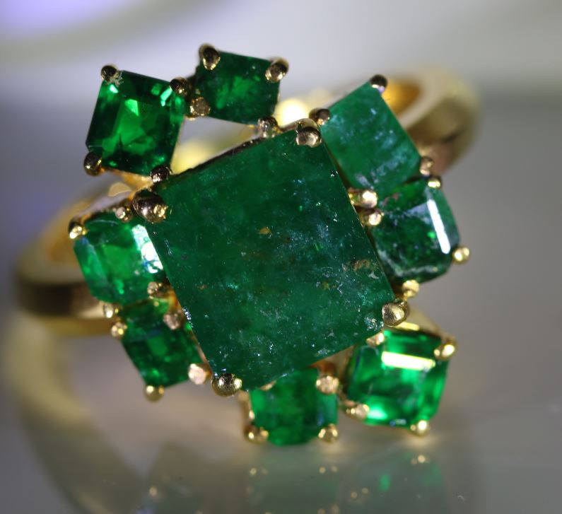 Swat Valley Emerald 5.57ct Solid 22K Yellow Gold Multistone Ring