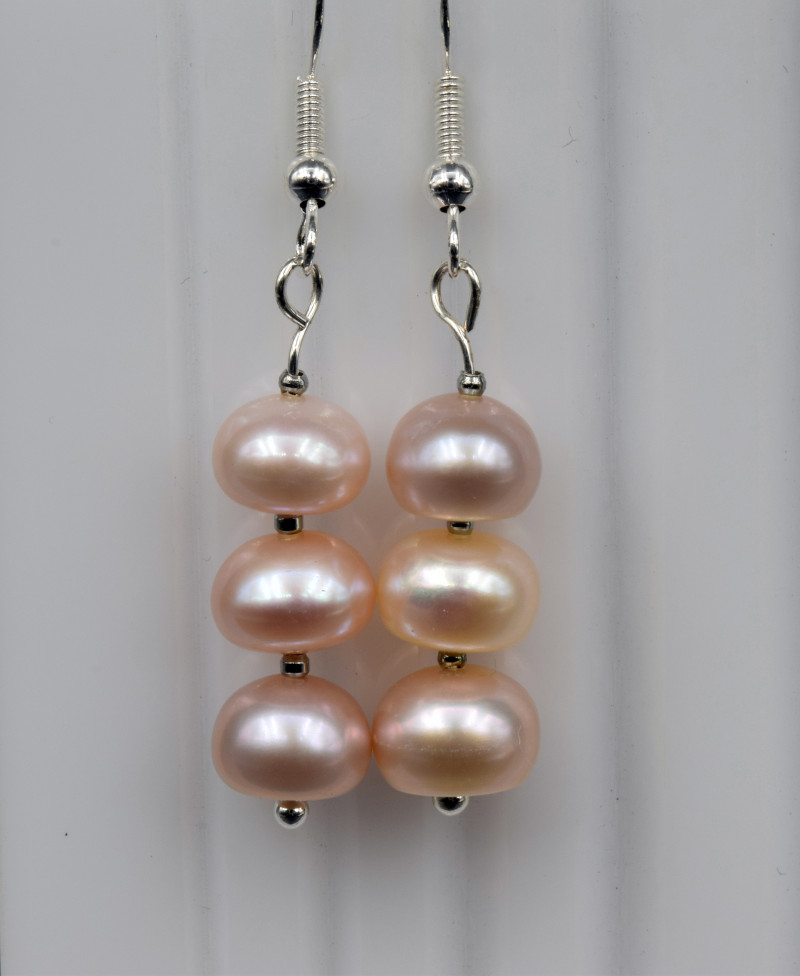 Natural Fresh Pearl Earring with silver ( 925 )
