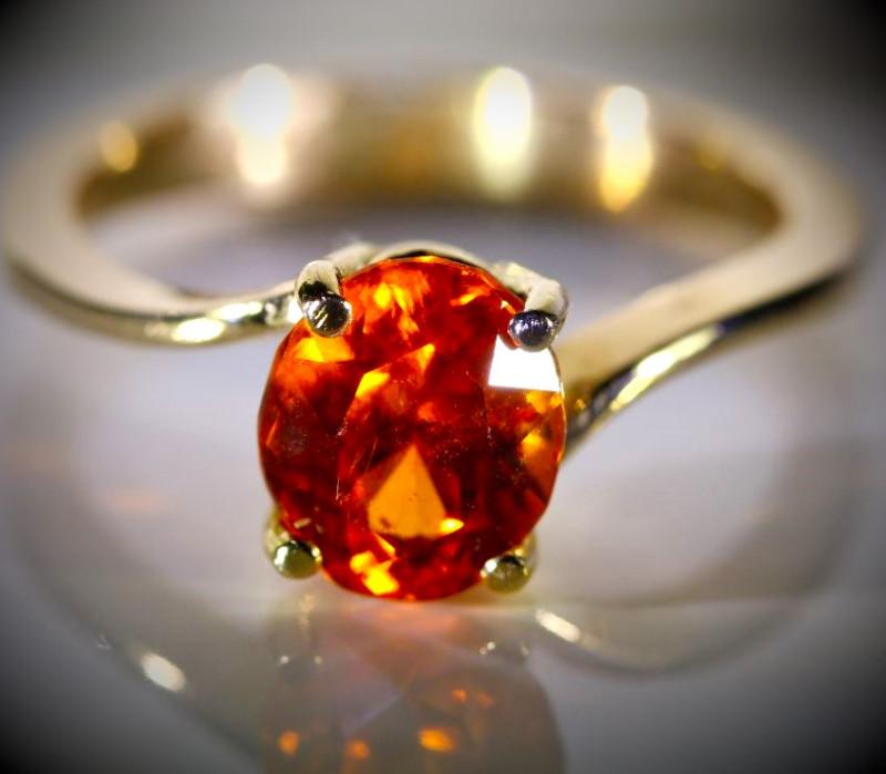 Spessartine Garnet 2.41ct Solid 18K Yellow Gold Ring