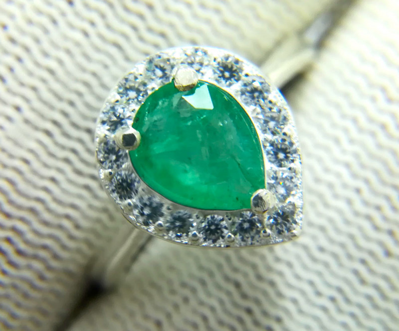 Natural  Green Pear Emerald 925 Sterling Silver Ring