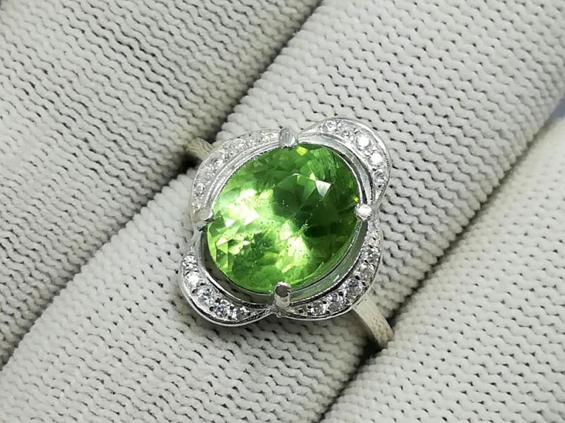 Natural Green Peridot Rutile 20.00 Carats 925 Silver Ring