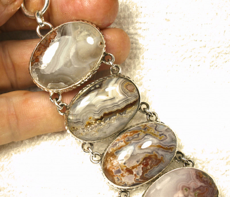 316.5 Total Carat Weight Sterling Silver, Agate Bracelet - Superb