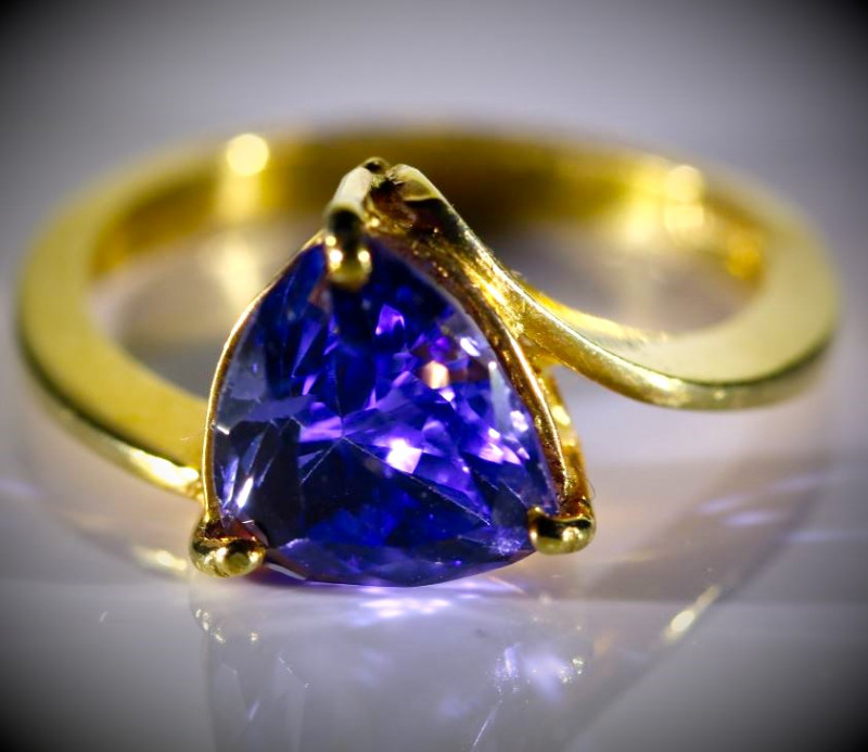 Tanzanite 3.20ct High Grade Solid 22K Yellow Gold Ring