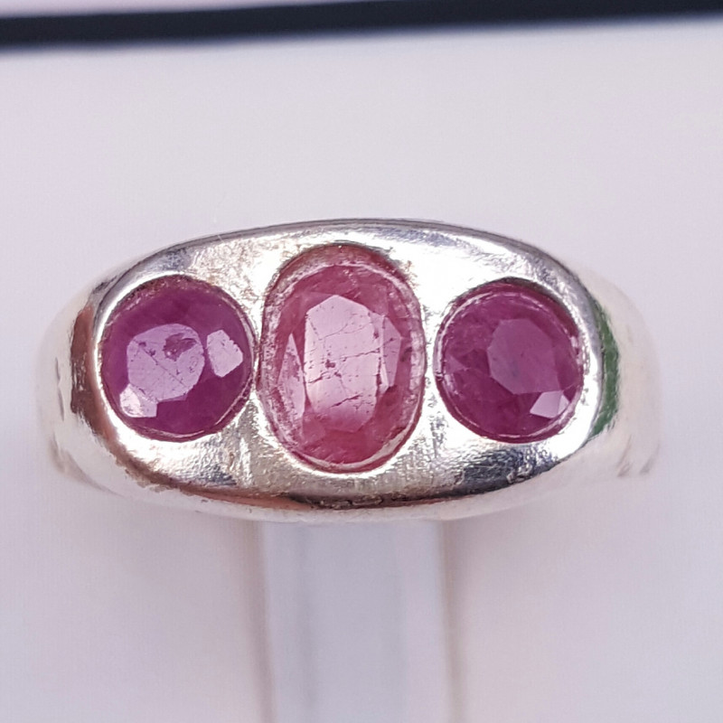 Natural Ruby Gorgoues Ring