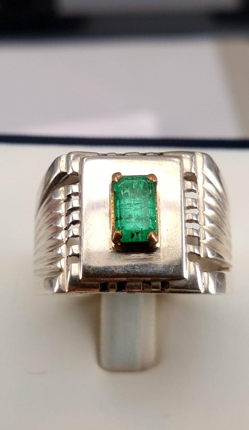 Beautiful Natural Emerlad Men Ring.