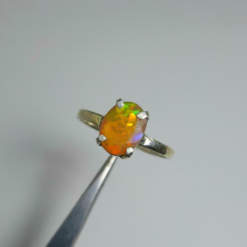 7.00 Carats multifire opal 925 Silver Ring, 9x7x3mm.