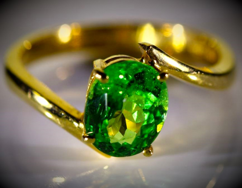 Tsavorite 1.78ct Solid 22K Yellow Gold Ring