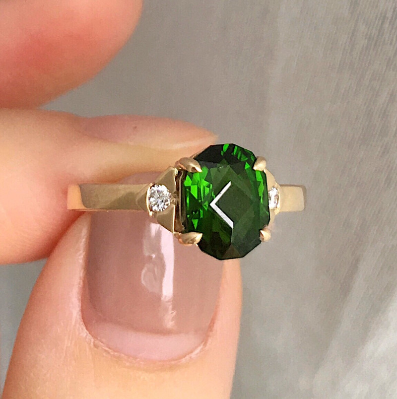 GR122 Chrome Diopside Solid 14K Yellow Gold Ring