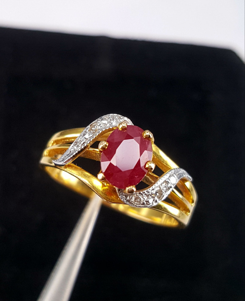 Natural Ruby Diamond Gold Ring.