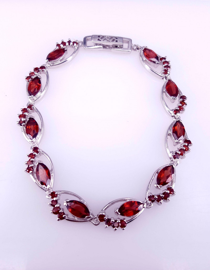 Natural Garnet Bracelet.