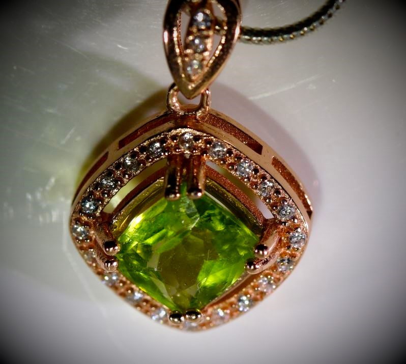 Peridot 1.50ct Rose Gold Finish Solid 925 Sterling Silver Pendant